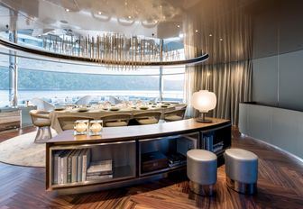 semi-alfresco dining area aboard superyacht SAVANNAH