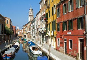 narrow waterway in backsteets of Venice, Italy