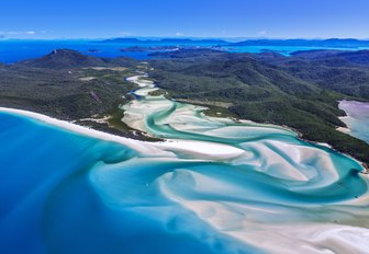 The Complete Guide to Luxury Yacht Charters in Australia photo 10