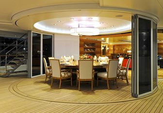 Charter A Luxury Yacht For Chinese New Year 2016 photo 13