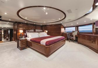 10 Of The Best Superyachts Available For Winter Holiday Charters photo 11