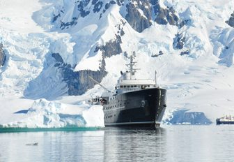Antarctica: A superyacht vacation of a lifetime photo 5