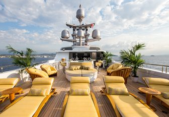 loungers and Jacuzzi on the sundeck of motor yacht MY SEANNA
