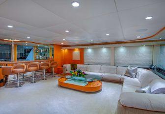 airy and light main salon on motor yacht island heiress