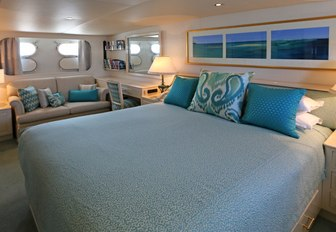 master suite on board superyacht BAHAMA