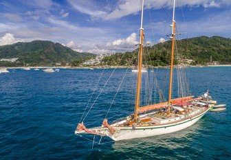 luxury phinisi DALLINGHOO at the Kata Rocks Superyacht Rendezvous
