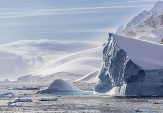 Antarctica: A superyacht vacation of a lifetime photo 3