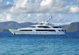 charter yacht Victoria del Mar will be attending the Fort Lauderdale International Boat Show 2017