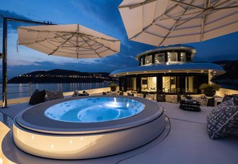 The Jacuzzi on board superyacht 11/11