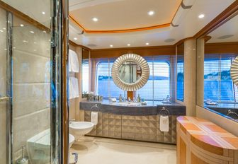 en suite aboard charter yacht CALLISTO