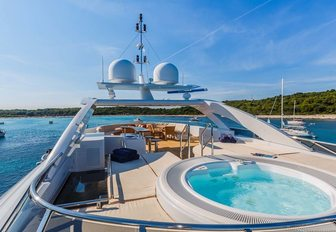 large jacuzzi on superyacht sundeck