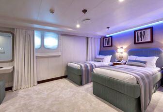 Twin cabin on Superyacht CHAKRA