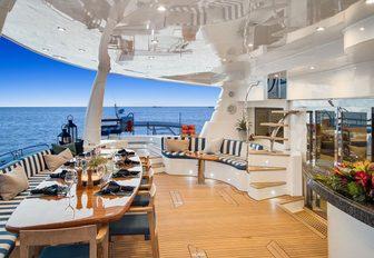 yacht blue gryphon alfresco dining set up