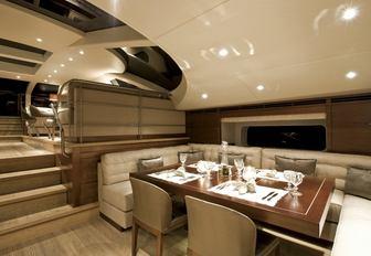 Dining room onboard sailing yacht SALPERTON