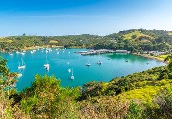 Beautiful bay on Waiheke Island with sailing boats, New Zealand