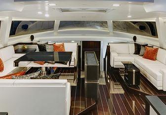 Main salon, Bliss yacht
