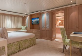 VIDEO: Experience a yacht charter vacation on board Lurssen superyacht 'Bella Vita' photo 6