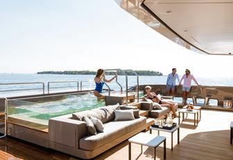 pool on luxury yacht solo