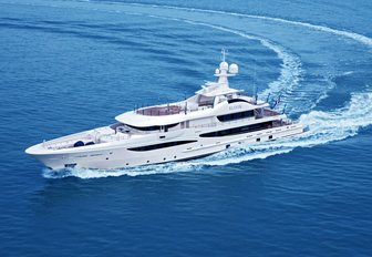 motor yacht ELIXIR underway on a private yacht charter