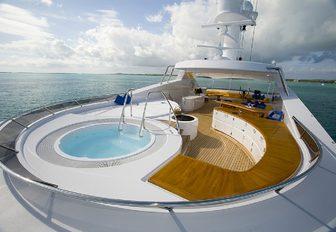 sundeck jacuzzi on motor yacht broadwater