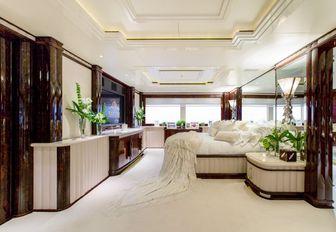 full-beam master suite aboard superyacht 'Lioness V'