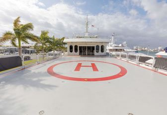 helipad aboard charter yacht GLOBAL