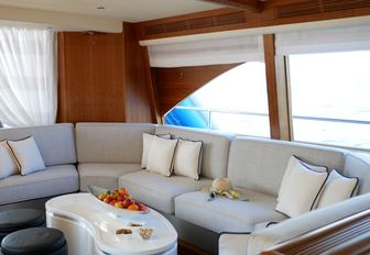 8 of the best yachts still available for a New Year's Eve yacht charter photo 24
