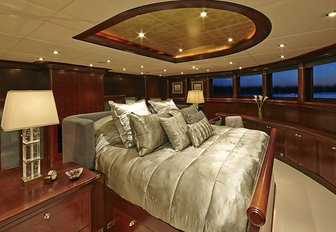 Superyacht 'Zoom Zoom Zoom' Available For Charter In New England photo 2