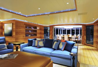 Charter A Luxury Yacht For Chinese New Year 2016 photo 14