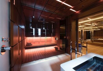 The glass fronted sauna on board superyacht CLOUDBREAK
