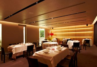 What And Where To Eat Whilst On Your Singapore Charter Vacation photo 17
