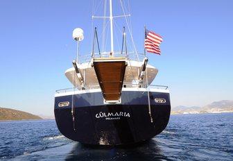 stern of charter yacht GULMARIA when underway on a charter vacation in Turkey