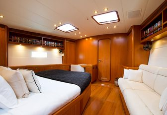 master suite on board sailing yacht RAPTURE