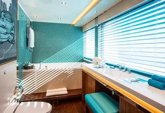 en-suite bathroom aboard charter yacht AQUIJO