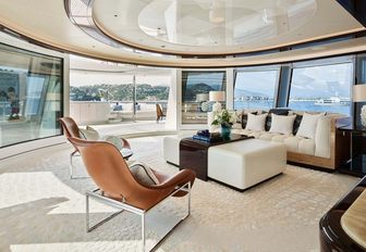 Skylounge with curved glass in EXCELLENCE