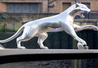 Jaguar sculpture on Kismet Yacht Bow