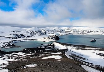 Antarctica: A superyacht vacation of a lifetime photo 4