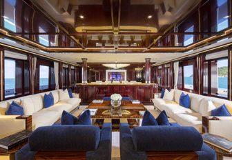 superyacht rockit main salon