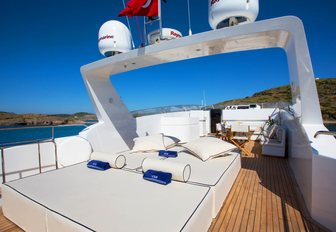 sundeck for charter guests to enjoy their vacation