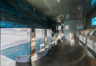 The underwater lounge included on board superyacht SAVANNAH