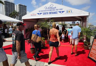 show-goers enter the Palm Beach Boat Show
