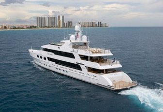 Superyachts Gather in Florida for the Palm Beach Boat Show 2017 photo 4