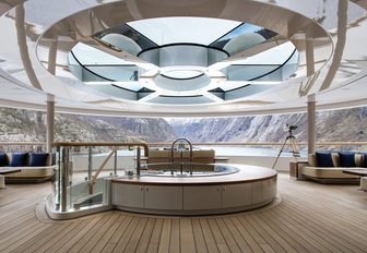 the light and airy main salon of superyacht Flying Fox