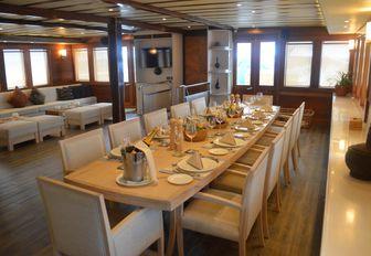 Superyacht LAMIMA Donates 50% Of Charter Fee To Local Charity photo 3