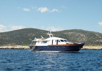 Electra Yacht Charter in Malta