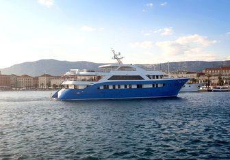San Antonio yacht charter Custom Motor Yacht