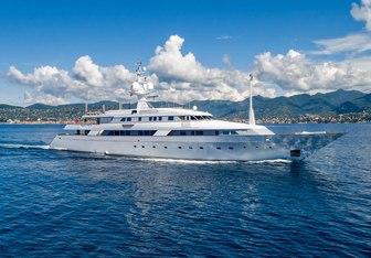 Bash yacht charter Codecasa Motor Yacht