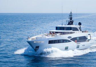 Isla yacht charter Gulf Craft Motor Yacht