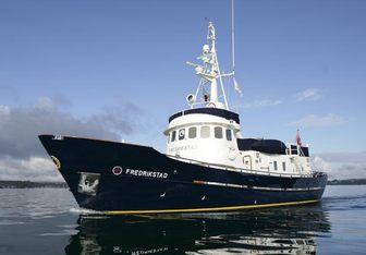 Fredrikstad yacht charter Smedviks Mv Motor Yacht