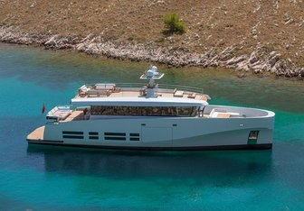 Kanga yacht charter Wally Motor Yacht